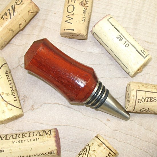 #WBS1012 - Wooden Wine Bottle Stopper - Click Image to Close